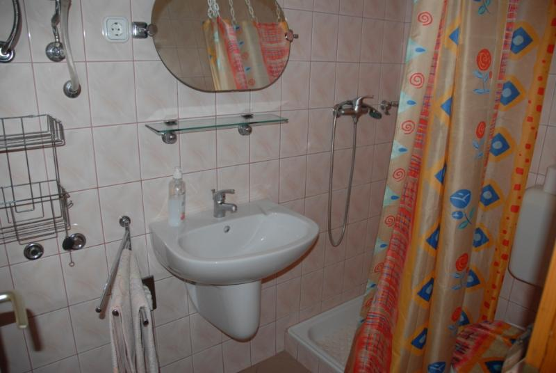 Holiday home - bathroom