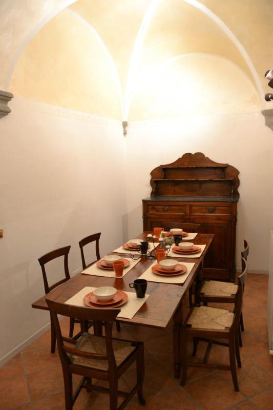 dining room/table for 6