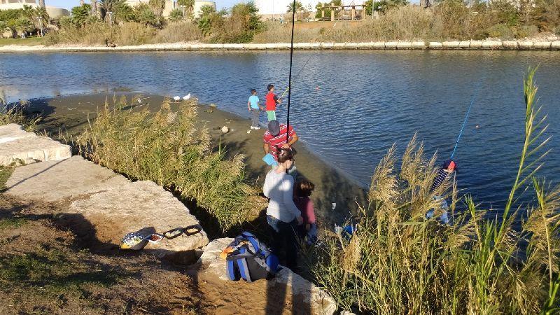 La rivière Yarkon et parc 50 mètres
