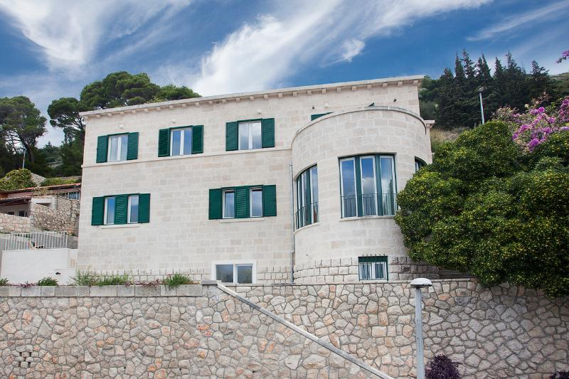 Boutique Villa Paulina with pool in Dubrovnik, vacation rental in Dubrovnik