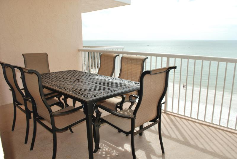 Enjoy your morning coffee and your meal while watching the majestic Gulf of Mexico