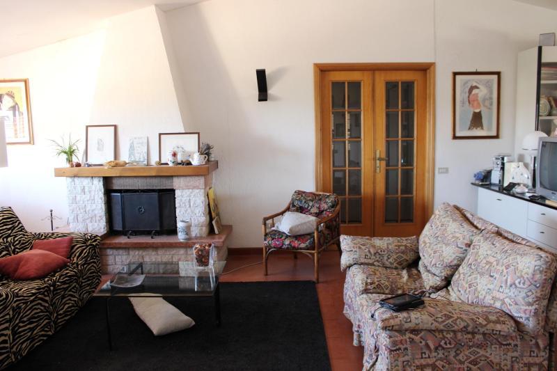 Charming Flat in Maremma Laziale, vacation rental in Ischia di Castro