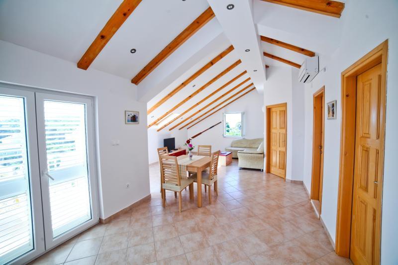 Apartment Horizon, holiday rental in Kolocep Island