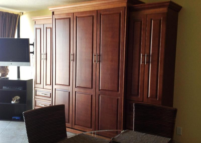 Coral Beach 1412 Queen Size Murphy Bed