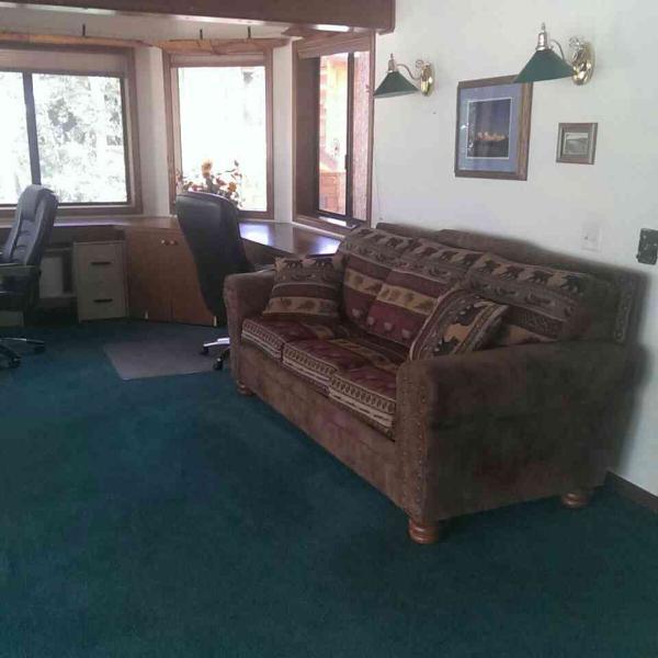 4th Bedroom (Open Den) - Queen Size Sofa bed