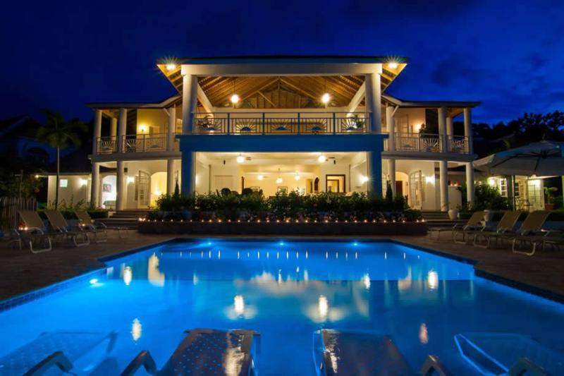 CHEF! BUTLER! HEATED POOL! FAMILY FRIENDLY! GYM!Fairway Manor - Montego Bay 5BR, vacation rental in Rose Hall