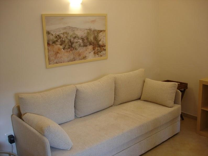 Exclusive 1 bedroom villa with garden and patio in the heart of Jerusalem, holiday rental in Ein Kerem