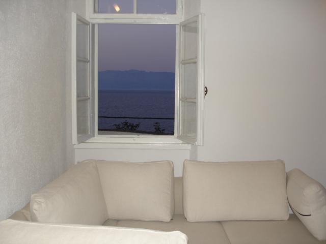 Apartment in villa, holiday rental in Trpanj