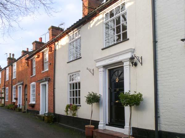 TED'S PLACE, character cottage, roll-top bath, pet friendly, enclosed garden, holiday rental in Aylsham