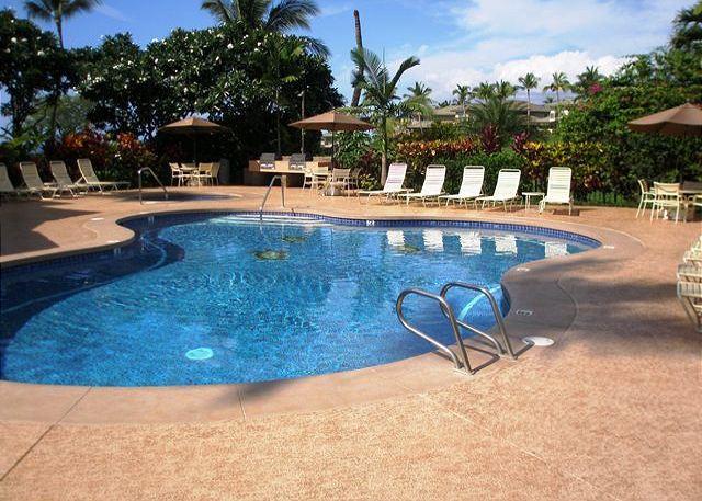 Wailea Grand Champions 2 Pool, Spa, and Barbecue Areas