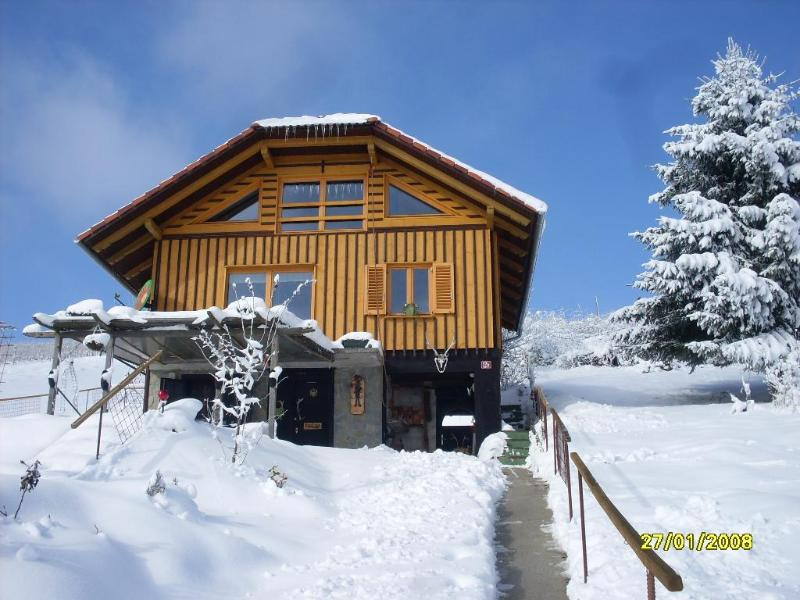 sunny cottage, holiday rental in Ratez