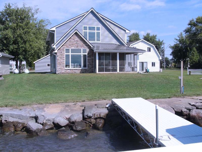 tripadvisor lake poygan rental cottage county hwy h tustin rh tripadvisor com