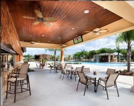 Bar und Pool-Bereich