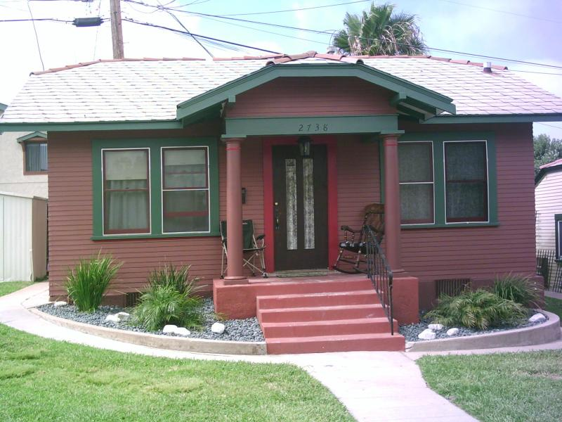 Private, guest furnished guest house, best location in downtown San Diego!
