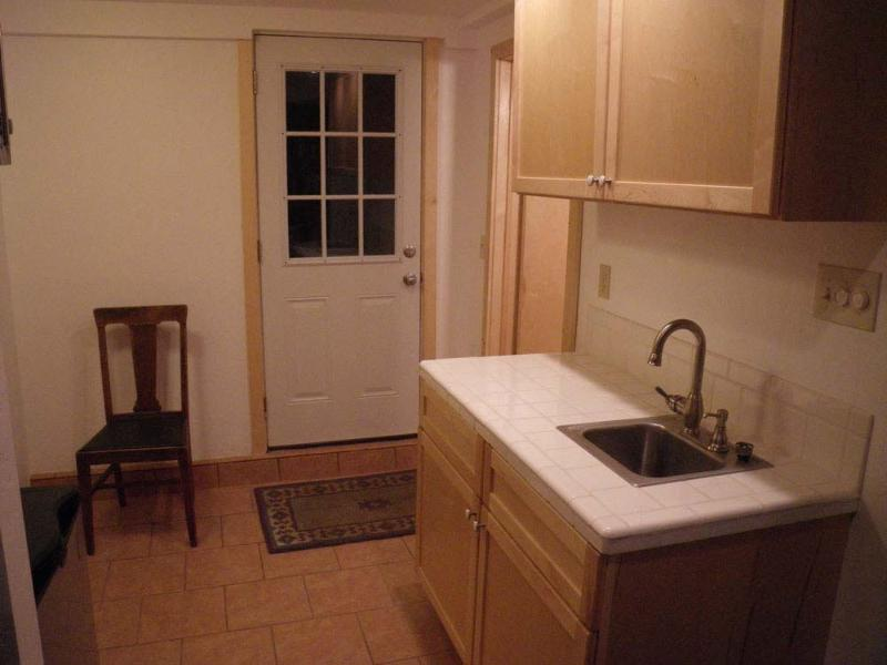 Private Kitchenette - Microwave, Refrigerator, Coffee Maker, Toaster Oven, Plates, Utensils....