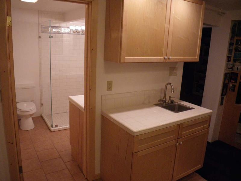 Kitchenette / Bathroom