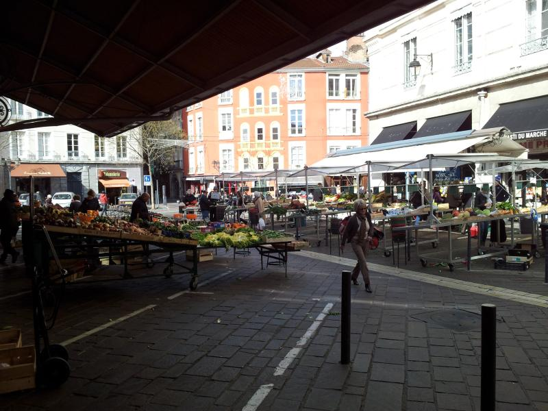Open market at 100m