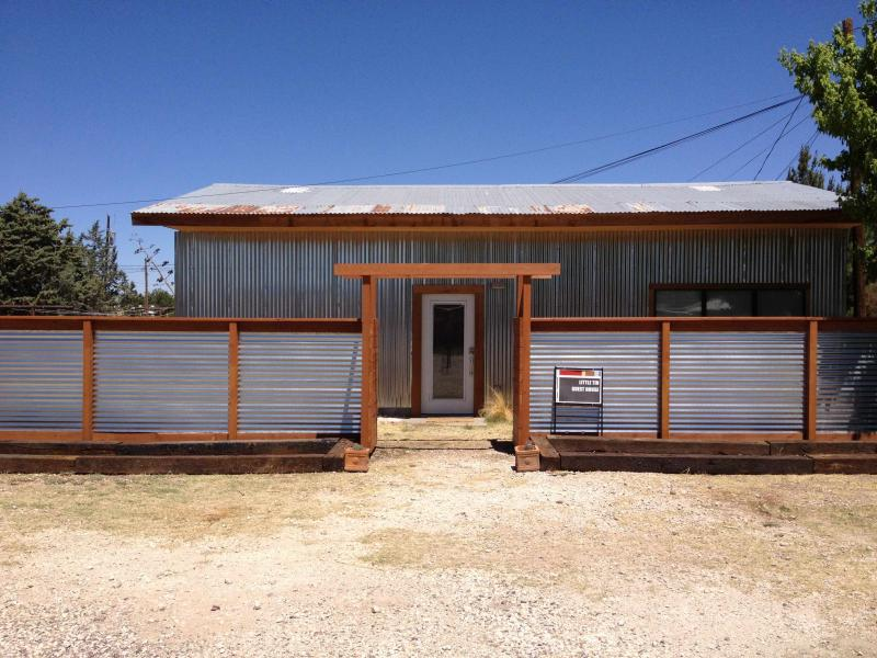 For the Budget Conscious—Little Tin Guest House, holiday rental in Alpine