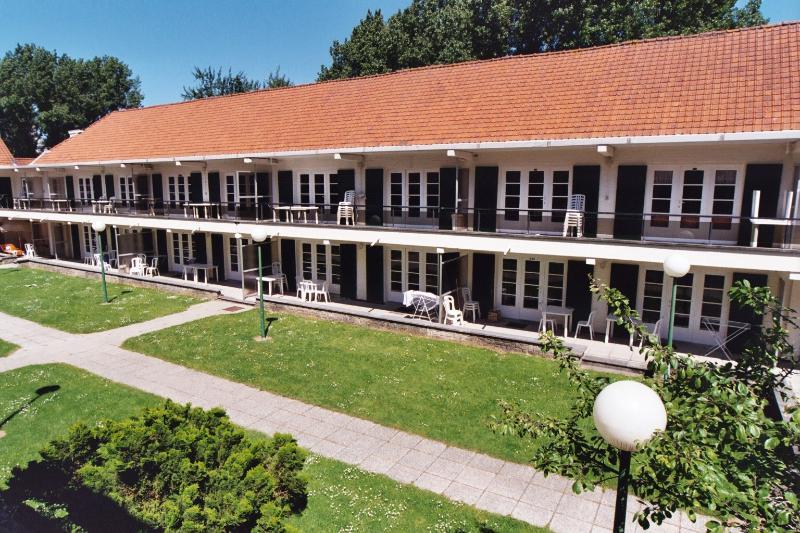 Holiday rentals Belgian coast - 2 bedrooms flats - central garden, location de vacances à De Haan