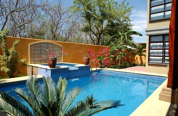 Private pool Piscina privada