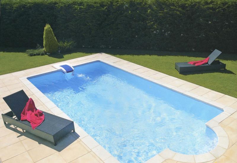 Pool May - Oct
