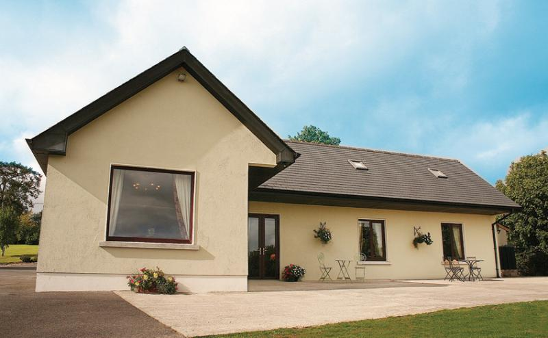 Deerpark Cottage, Co. Kildare, Ireland - An Oasis of Calm after your hectic day, holiday rental in County Kildare