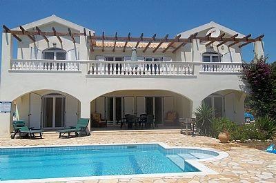 Villa Diana Spacious 5 bed Villa with Private Pool, aluguéis de temporada em Keramiai