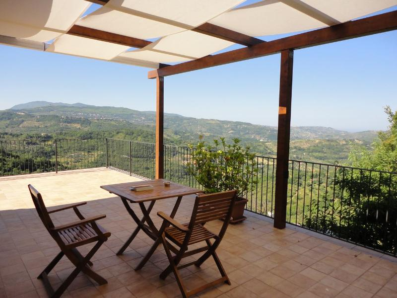 Panoramic terrace with view of Monte Stella from and of the sea at the ho