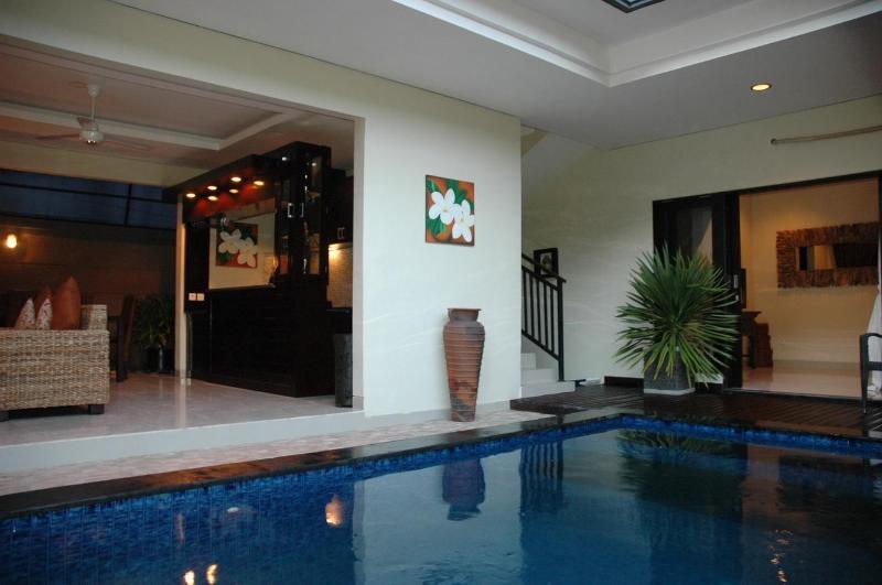 LEGIAN - 3 BEDROOM - 3 BATHROOM - HEART LEGIAN CLOSE TO BEACH - g, holiday rental in Legian