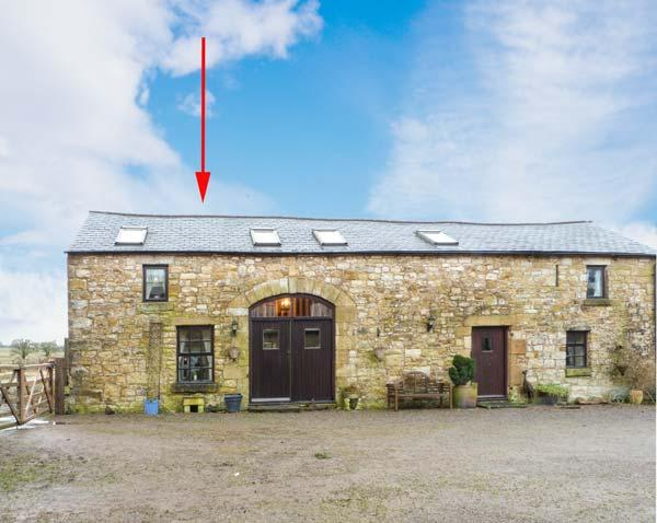 CURLEW COTTAGE, woodburner, pet-friendly, shared games room, near Newcastleton, holiday rental in Bailey Mill
