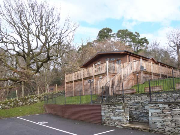 HIGH VIEW LODGE, en-suite, WiFi, on-site pool, near Troutbeck Bridge, vacation rental in Troutbeck Bridge