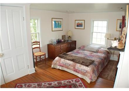 Windrush Cottage Bed Room #1