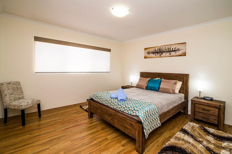 Busselton Holiday Home - sensational location!, location de vacances à Busselton