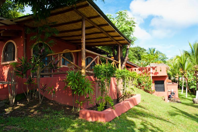 Tranquil and Private Guest House, vacation rental in Playa Conchal