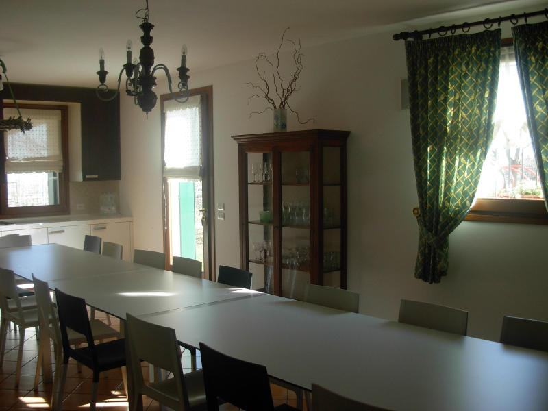 Comfortable And Easy Flat Into Vineyard, location de vacances à Fontanelle