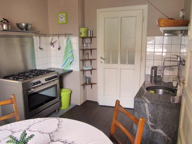 Dunajska Bright Apartment with garden and parking, holiday rental in Ljubljana