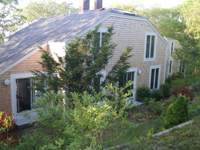 Striking 5BR/4BA Chilmark Contemporary with Views of the Sound, Ferienwohnung in Chilmark