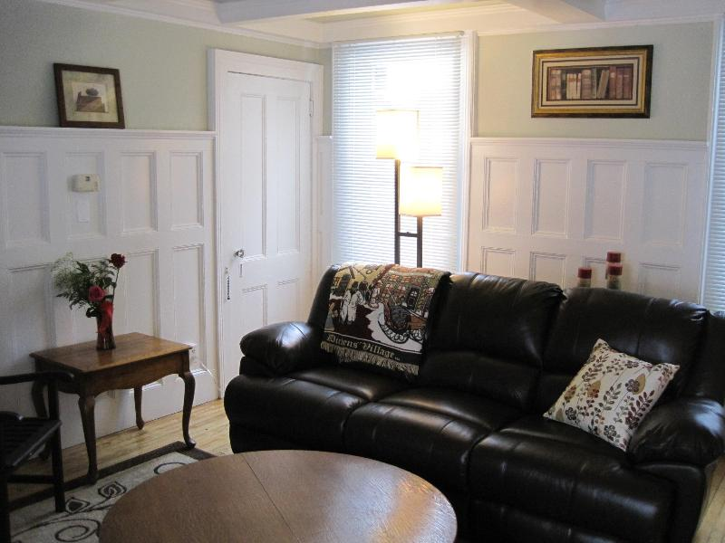 Garfield House, holiday rental in Lee