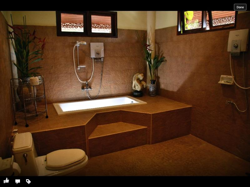 Suite Room en-suite Bathroom