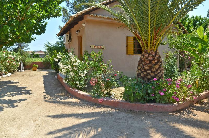 Therianos Villa Fos, holiday rental in Loucha