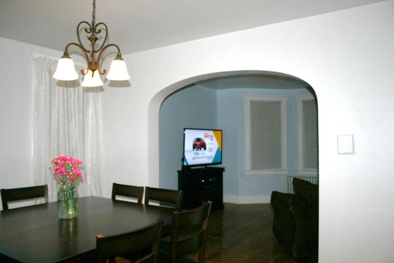 Super Bowl Apartment - 3 miles from the Game, holiday rental in Secaucus