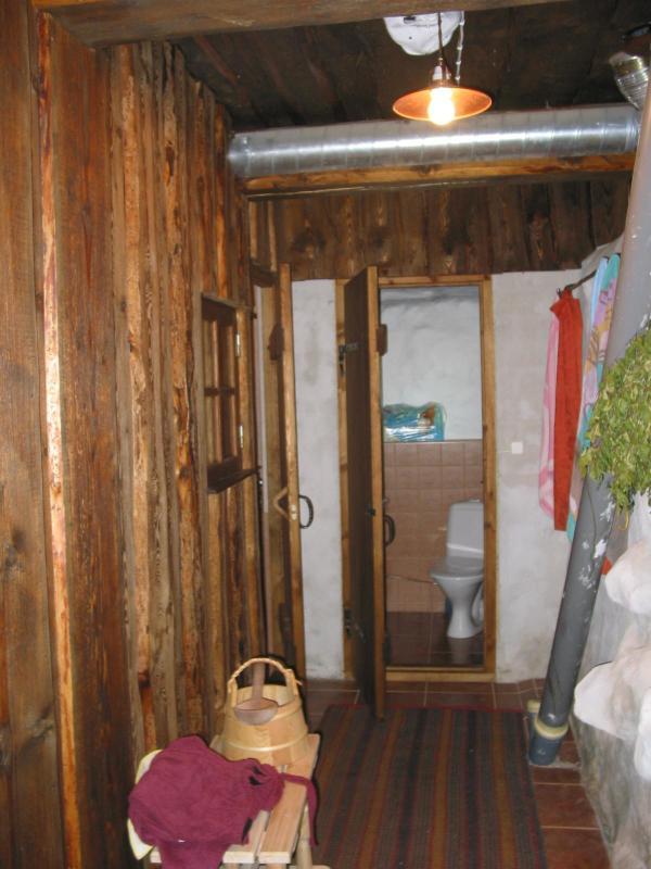 Coridor to sauna and bathroom