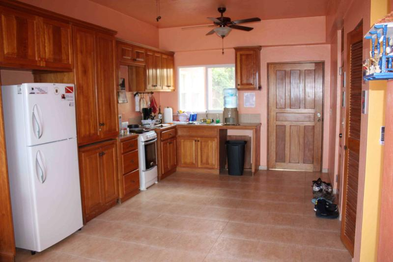 A fully equipped kitchen so you can enjoy home cooked meals on the balcony or in the dining room.