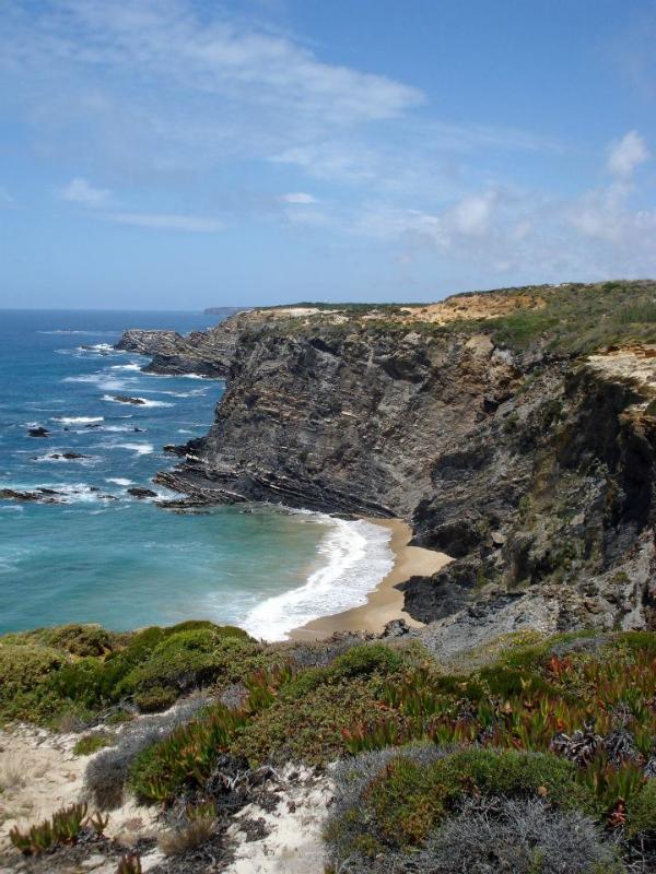 Secluded beach near Zambujera ca 15 min from the house