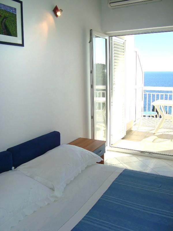 When you wake up, you do not have to get up out of bed to enjoy the view of the blue Adriatic Sea