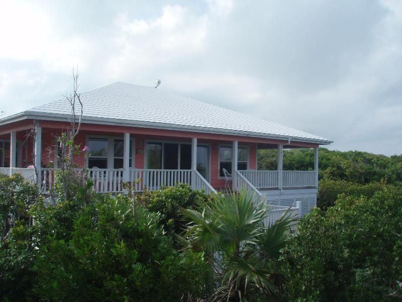 SHORE THING ( Secluded and Peaceful  Island Retreat ), holiday rental in Marsh Harbour