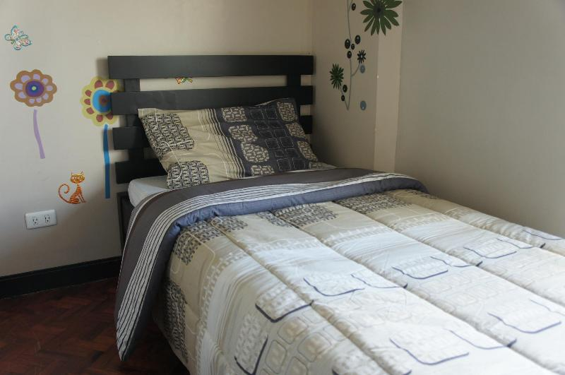 Slaapkamer #2 (eenpersoonsbed)