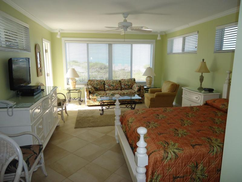 Pretty gulf view studio Unit 1