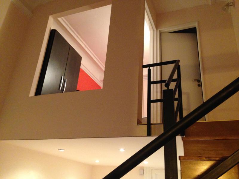 moderno loft - camera da letto al piano superiore