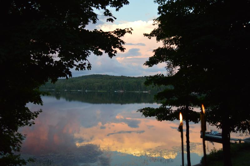 Beautiful Quiet Cottage on Fox Lake in Huntsville, Ontario, vacation rental in Muskoka District